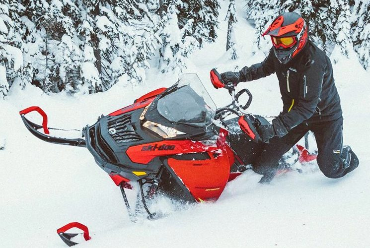 Get the most out of every situation with the all new 2020 Ski-Doo Expedition Xtreme